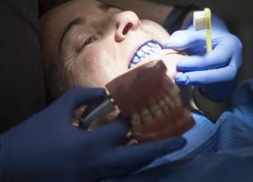 Veus on i com és la teva placa bacteriana dental!?